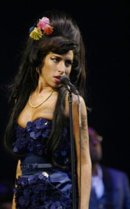 winehouse-concert-243x390