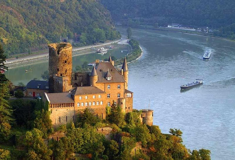 De la Dunăre, laRin